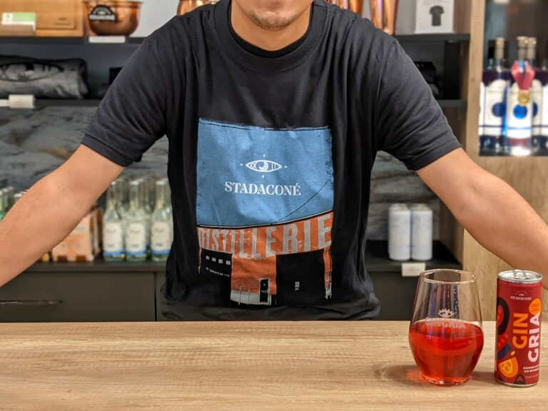 À la découverte des articles promotionnels de la Distillerie Stadaconé